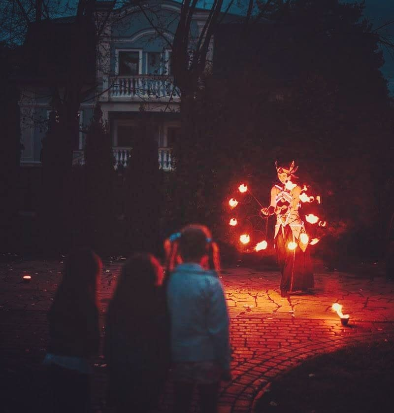 Fire show in Luxembourg for kids party.jpg